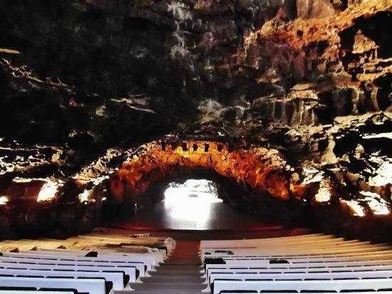 Jameos Del Agua: Konzertsaal in der Höhle