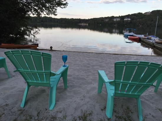Scargo Manor Bed and Breakfast: Sunset on the private beach was a slice of heaven