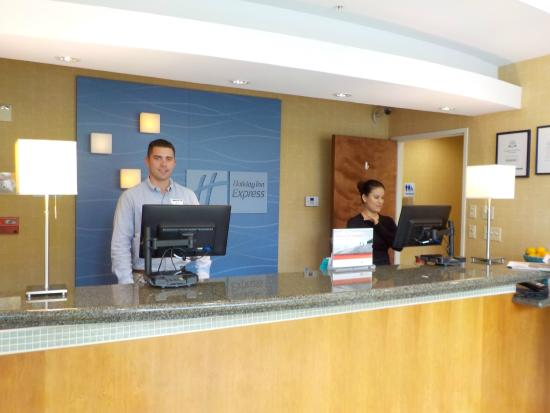 Holiday Inn Express Newport Beach: Attentive, helpful staff