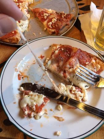 Bazbeaux Pizza : Delicious pizza!!!!