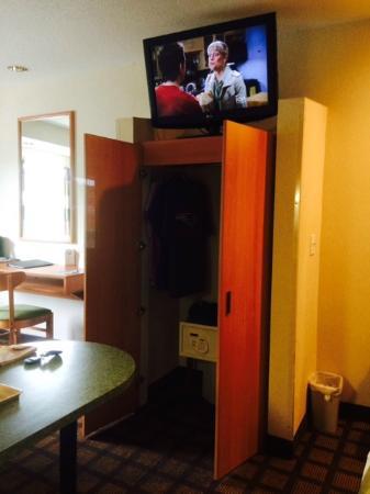 Microtel Inn & Suites by Wyndham Uncasville: Room 218