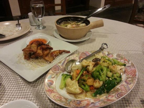 Swiss-Garden Beach Resort Damai Laut: delicious Thai food