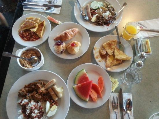 Swiss-Garden Beach Resort Damai Laut: yummy breakfast buffet