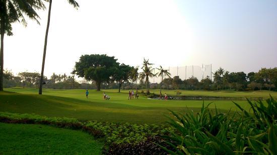 Hyatt Regency Yogyakarta: lapangan golf 9 hole