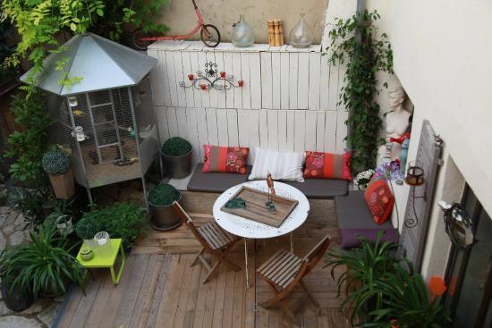 UnE VuE SuR CouR : garden