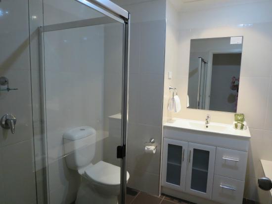Clare Country Club: bathroom