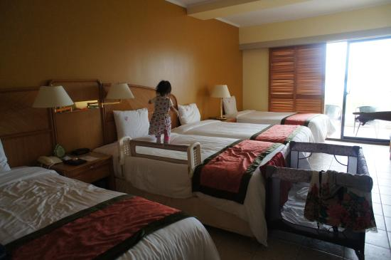 Room With Four Beds Picture Of Hotel Nikko Guam Tumon: 4 beds in one room