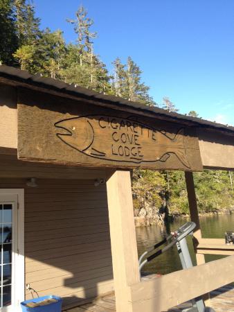 Barkley Sound Lodge : Pool room