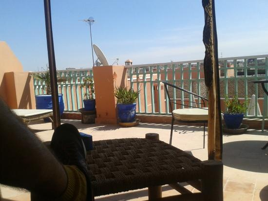 Riad Dar Nael: You can see the Atlas Mountains in the distance when your on the terrace