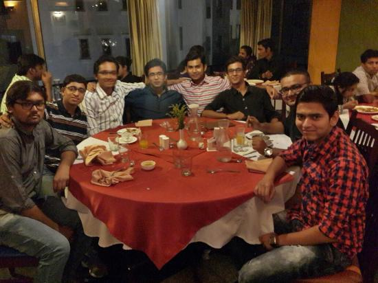 review of kala ghoda After quite a while, justinreviews is finally back with restaurant reviews this time around, we will be visiting the kala ghoda cafe in mumbai.