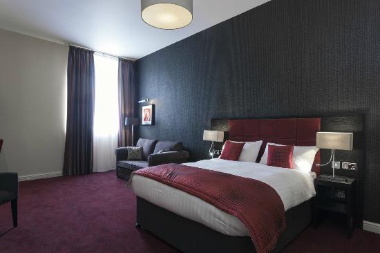 John Francis Basset Hotel