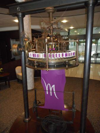 Mercure Troyes Centre : A loom from the old factory
