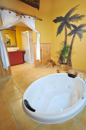 Gembrook Cottages: Harem Bathroom