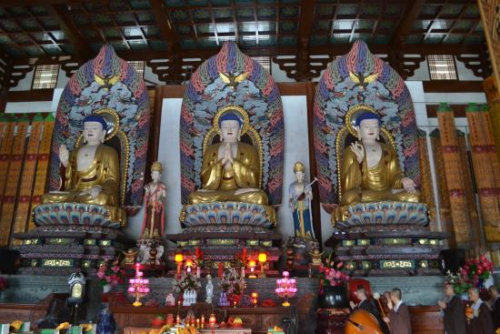 Wenzhou, China: Inside- the monks were having a ceremony in here