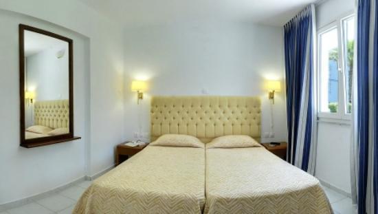 Helion Resort: Bedroom