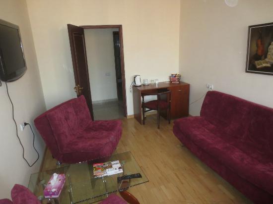 14th Floor Hotel : Salon in Family Suite Zi 7