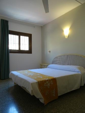 Hostal Ritzi: Habitación doble con ducha