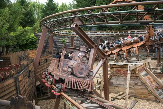 Chessington, UK: Scorpion Express