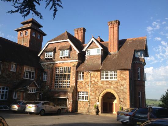 Chittlehamholt, UK: Front view of Hotel