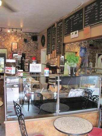 Inside the Mon Ami Cafe in Pismo Beach (26/July/15).