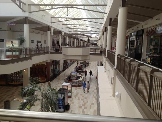 Crossgates Mall - looking lengthwise into lower floor