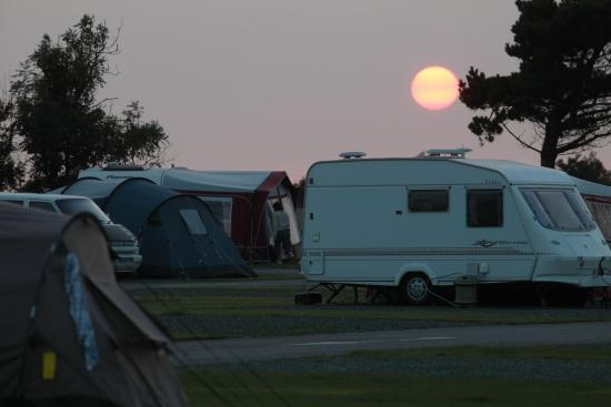 Atlantic Bays Holiday Park: Night-time