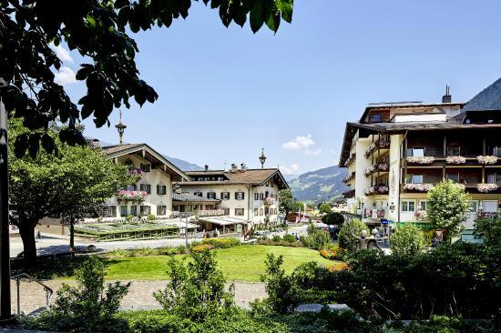 Hotel Neue Post: Hotel Sommeransicht