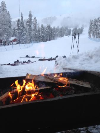 Ski-Inn Hotel Pyhätunturi: Lovely fire on the slopes