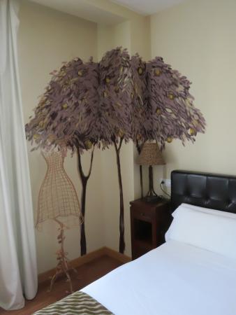 El jardin de Eugenia: Wall painting in bedroom