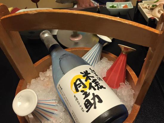 Tsukioka Hotel: 料理にぴったりの冷酒のチョイス