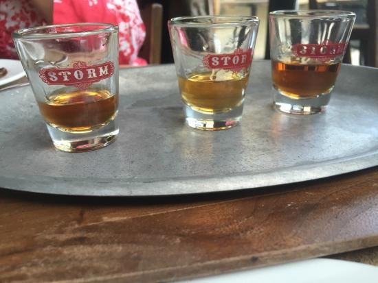 Storm Rhum Bar & Bistro: Rum flight