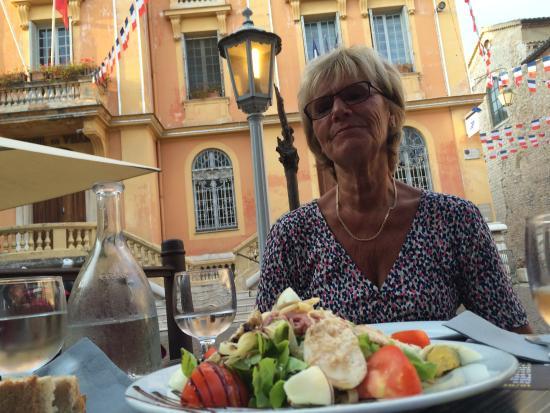 Le Clémenceau : Rest. Le Clemenceau, Vence - the starter dish has arrived
