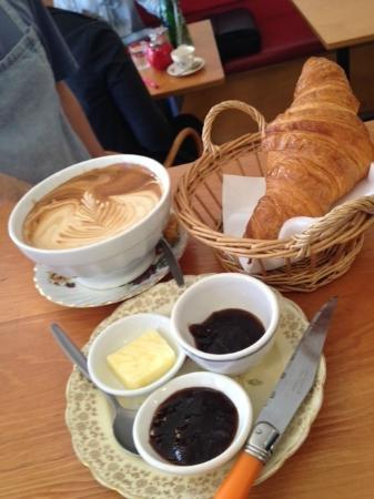 Le Cafe Flo