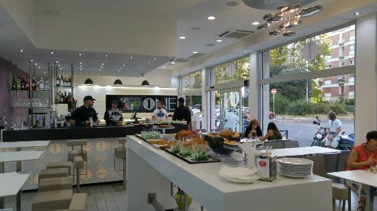 interno bar foto di one living bar roma tripadvisor