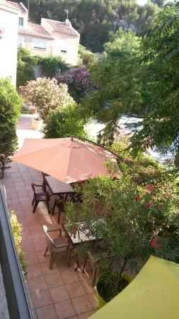 Auberge Les Moulieres: terrasse