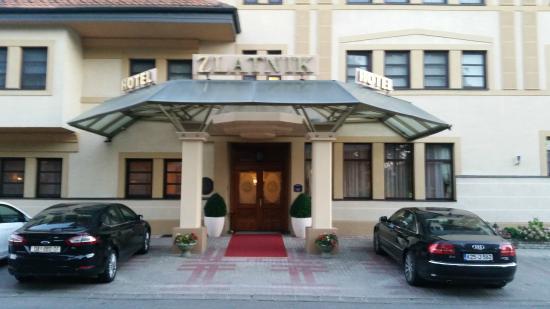 Hotel Zlatnik : L'Entrata