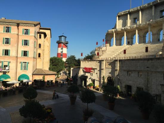 Hotelgel nde abends picture of hotel colosseo europa - Hotel colosseo europa park ...