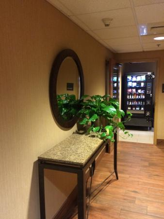 Hampton Inn Altoona: photo1.jpg