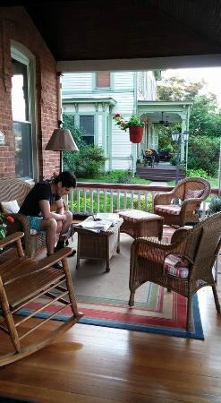 Bricktown Inn : Cozy patio