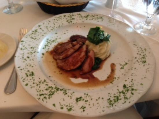 Bellissimo Restaurant: Duck in port wine sauce