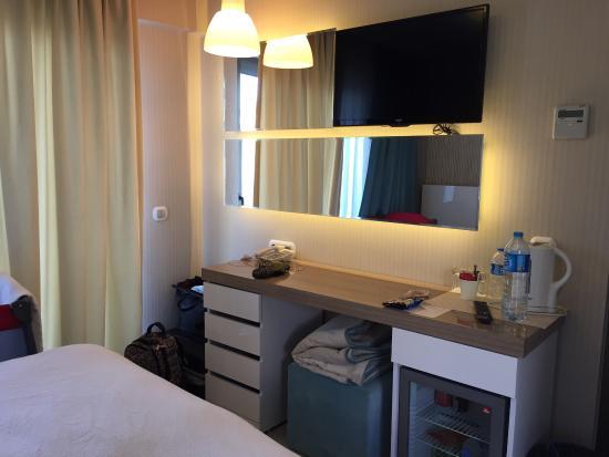 Best Western Plus Cesme Hotel: Otelin konsepti gerçekten çok güzel. Odaların tasarımı ve temizliği harika. Havuz yeterli ve tem