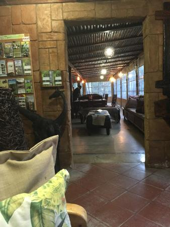 Ezulwini Game Lodge: Restaurant en bar