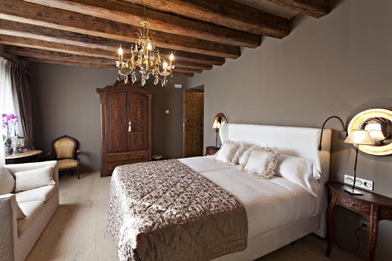 Lladurs, Испания: Habitación TIETA