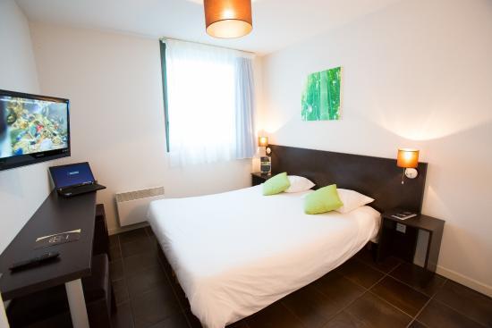 all suites appart h tel bordeaux lac voir les tarifs et 243 avis. Black Bedroom Furniture Sets. Home Design Ideas