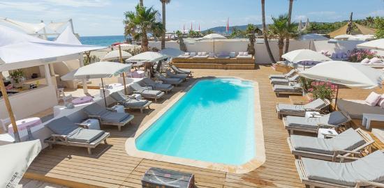Bar D'o Beach
