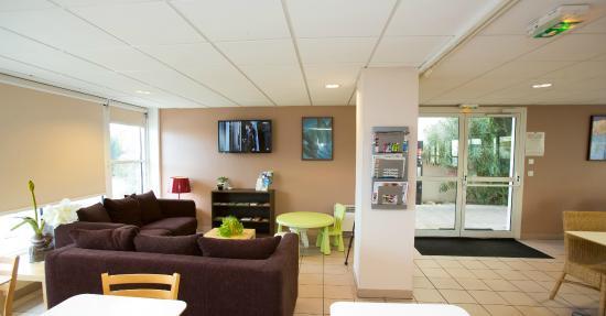 all suites appart hotel bordeaux merignac frankrig hotel anmeldelser sammenligning af. Black Bedroom Furniture Sets. Home Design Ideas