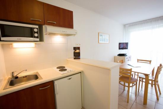 All Suites Appart Hotel Bordeaux Merignac : Kitchenette