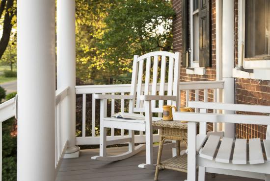 Pheasant Field Bed & Breakfast: Front porch rockers