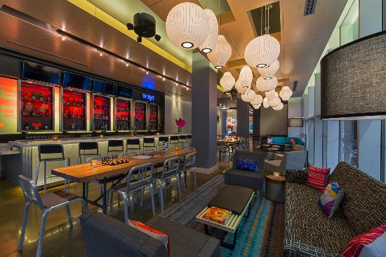 W XYZ Bar in Aloft New Orleans