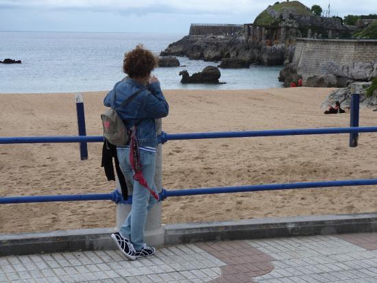 La roca que le da nombre fotograf a de playa del camello for Nombre de la roca